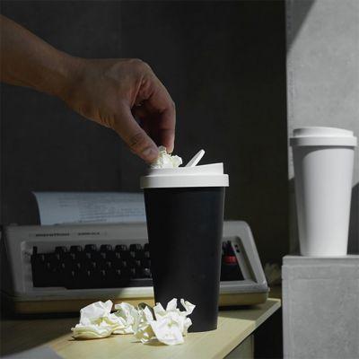 Mini poubelle en forme de gobelet à café