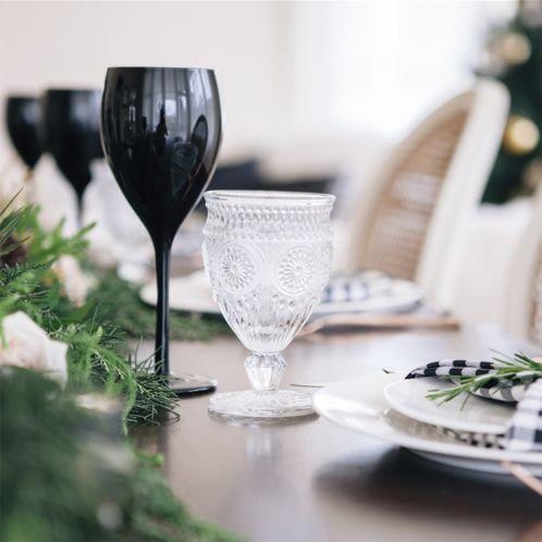 Ensemble de 4 verres à vin noirs