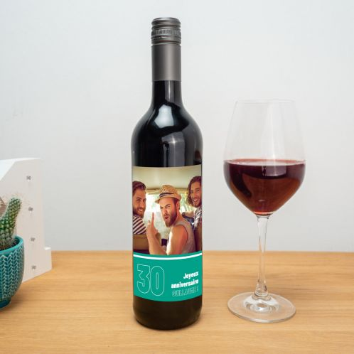 Vin rouge avec étiquette personnalisable