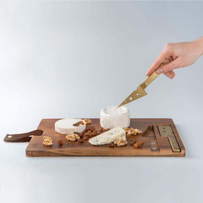 Planche à Découper pour Fromages – avec ses Couteaux