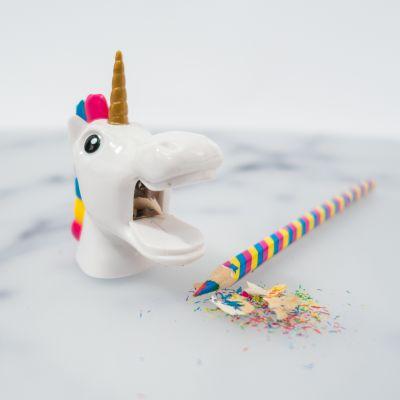 Idées cadeaux pour mettre dans le calendrier de l'avent - Taille-crayon licorne