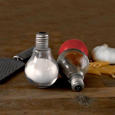 Petits cadeaux pas cher - Salière et poivrière en forme d'ampoules