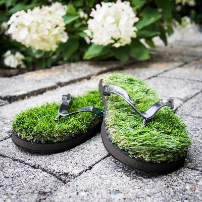 Idée cadeau femme - Tongs en fausse herbe