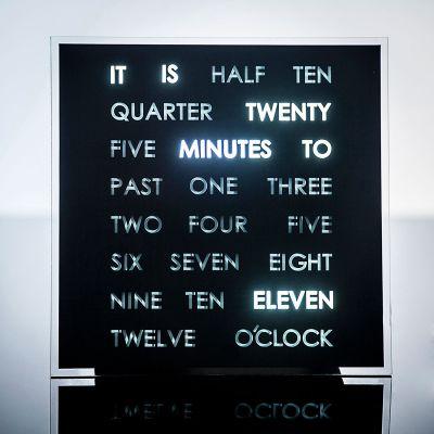 Réveils & Montres - Horloges à mots LED