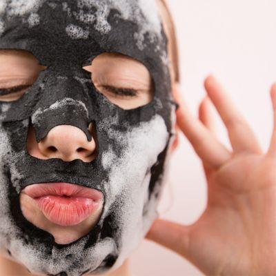 Idées cadeaux pour mettre dans le calendrier de l'avent - Bubble Mask, le masque du visage qui fait des bulles