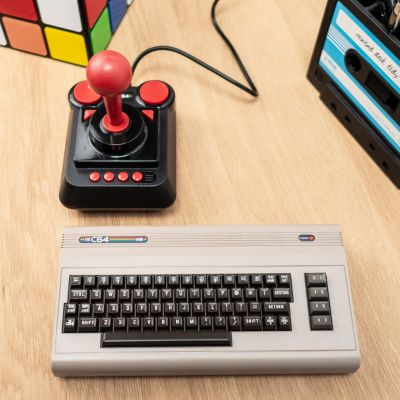 Ordinateur & Gadgets USB - Console de Jeu The C64 Mini