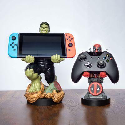 Jeux & Farces - Portes-smartphones Marvel avec câble de chargement