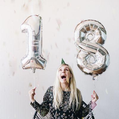 Cadeau 18 ans - Ballons nombres géants