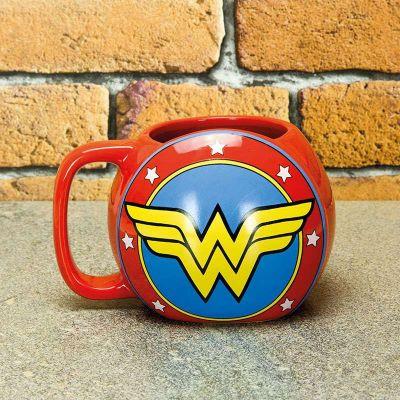 Idées cadeaux pour mettre dans le calendrier de l'avent - Tasse Bouclier Wonder Woman