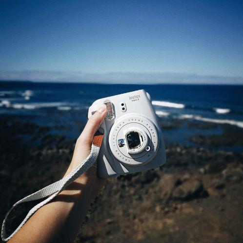 Idée cadeau - Appareil photo instantané Fuji Instax Mini 9
